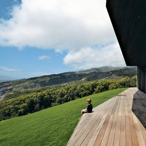 clifftop house deck2