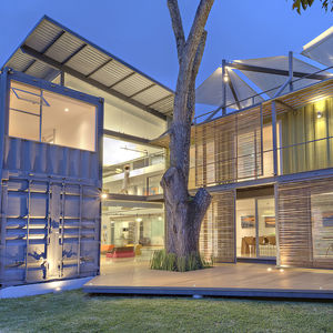casa incubo costa rica shipping container home