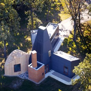 gehry winton guest house