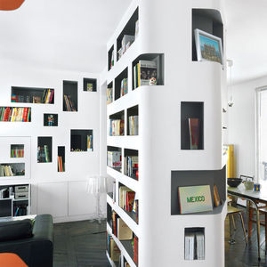 front and back apartment interior center column