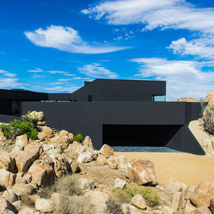 yucca valley house exterior