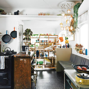 glass menagerie open plan kitchen  0
