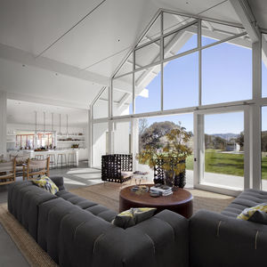 Huponome Ranch living room