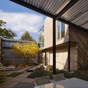Doblin House addition courtyard