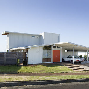 Facade of Hawaii renovation by Fritz Johnson Architect
