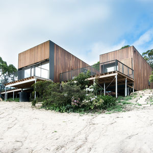 Timber-clad Australian beach home by OLA Studio