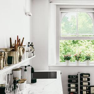 going off script london small space renovation kitchen marble countertop statuario shelf sink