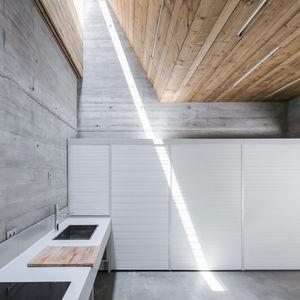 link ray concrete kitchen portugal retreat