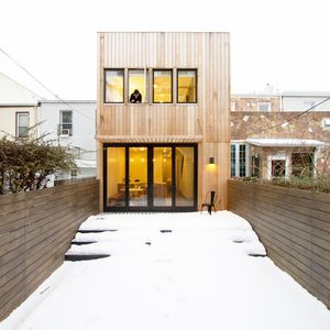 Brooklyn row house with Red Cedar facade by Office of Architecture.