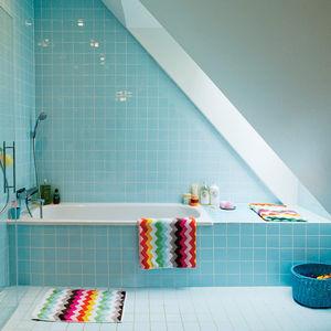 Swedish Prefab Home, Bath