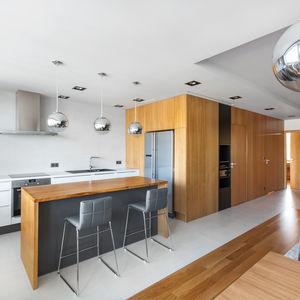 Open/Private Apartment open-plan