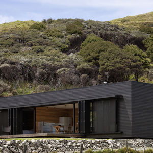 Off-the-grid New Zealand island escape.