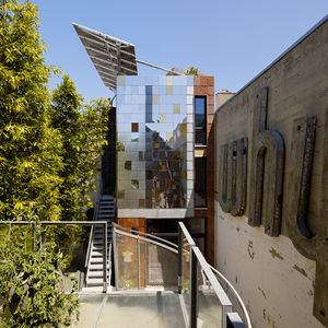 Exterior of a San Francisco net-zero cottage above a workshop