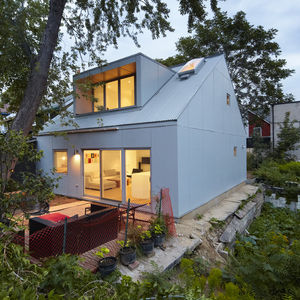superkul's Gradient House in Toronto with cement board cladding