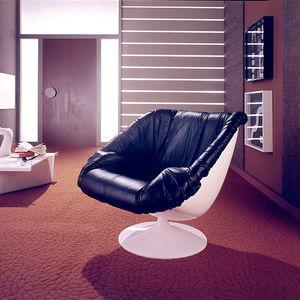 unsung modernist percival lafer brazilian furniture mp 071 fiberglass chair