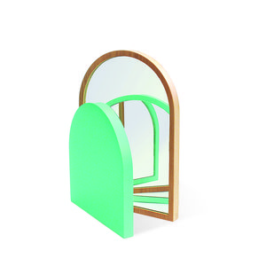 modern design young guns 2014 Margaux Keller soupier tabletop mirror