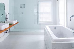 Tom Givone master bathroom
