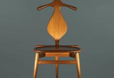 modern valet chair by furniture designer hans wegner