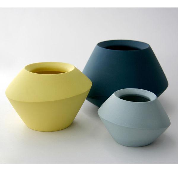romi ceramics spinner vase