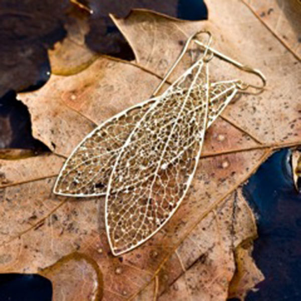 holiday t guide gold reticulate earrings