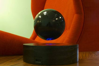 The floating 3.5 inch diameter OM/One speaker.