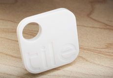 Tile transponder locates lost items