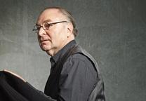 Modern architect and designer Stanley Saitowitz