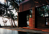 Modern vacation beach home in Nandgaon, India