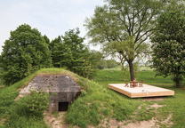 bunker thrill pine wood deck bunker