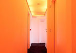 pantonehotel hall orange