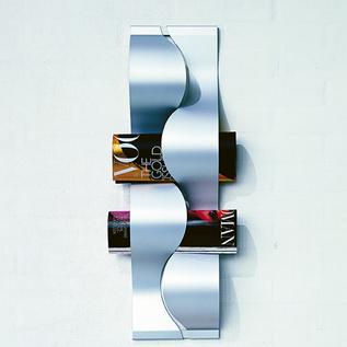 Magazine rack by Maria Bernsten.