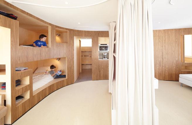 Slideshow: 5 Helpful Hideaway Beds   Dwell