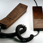 Hulger's Pappa Phone Is a Wooden Gadget Done Right