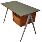 Dutch Desk