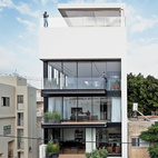 Modern High-Rise Town House in Tel Aviv