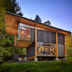 An Eco-Friendly Compact Cabin in Washington