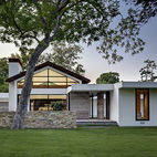 Facade Focus: 5 Stucco Homes