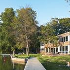 6 Modern Lakeside Homes