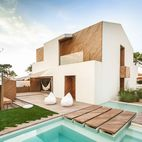 10 Bright Stucco Homes