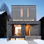 A Modern Toronto House Covered by a Contemporary Solar Screen