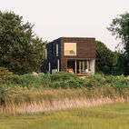 An Idyllic Rhode Island Summer Cottage Is the Perfect Escape for a New York Family