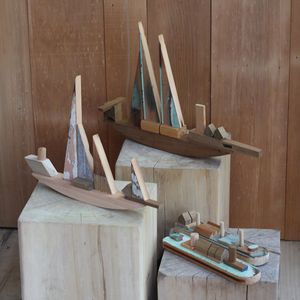 Recycled wood ship toys / decorations from Sarmiento
