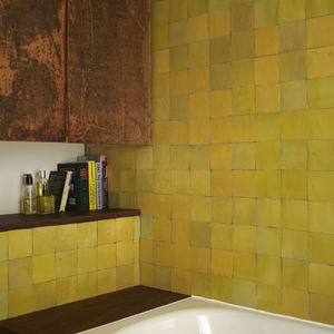 London Terrace home bathroom and tub