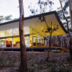 "The Walla Womba Guest House by <a href=""http://www.dwell.com/organizations/1-2-architecture.html"">1+2 Architecture</a>, part of ""The Green House"" exhibition (Photo by Petere Hyatt, courtesy <a href=""http://www.dwell.com/places/national-building-museum.htm"