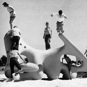 Modernist design principles came to the playground through the work of Dutch architect Aldo Van Eyck. When he began his work in 1947 there were few public playgrounds in Amsterdam.  When he finished thirty years later, he had constructed over 700 serene,