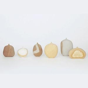 stone vases koga mitsura thumbnail
