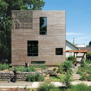 residential urban wooden box harpoon house