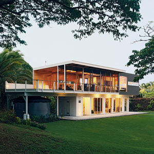The rear facade of Lavaflow 4, Mike Kurokawa and Paul Fishman's house in Hawaii designed by architect Craig Steely.
