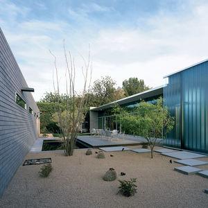 mariposa residence courtyard thumbnail