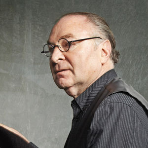Modern architect and designer Stanley Saitowitz